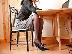 艾米*亚当斯在桌上的性爱场景