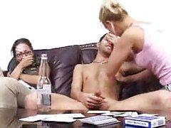 刺穿阴蒂和亚洲乳头的贱人在袜子性交的硬盘